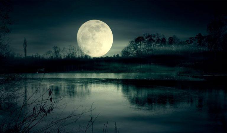 चाँद सजी रात का